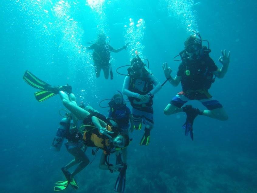 Gap Year Diving in The Bahamas